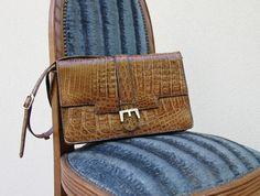 Sac cuir façon croco marron EMY porté épaule bandoulière 70s / Holy10