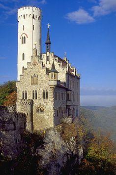Schloss Lichtenstein (Lichtenstein Castle), near Honau, Swabian Alb, Baden-Württemberg, Germany.