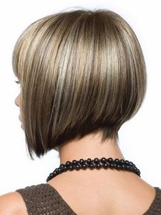 Copper Layered Bob with Bangs - 50 Classy Short Bob Haircuts and Hairstyles with Bangs - The Trending Hairstyle Cute Bob Haircuts, Asymmetrical Bob Haircuts, Choppy Bob Hairstyles, Straight Hairstyles, Black Hairstyles, Short Angled Bobs, Simple Hairstyles, Hairstyles 2018, Layered Haircuts