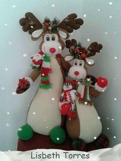 Christmas Projects, Christmas Humor, Christmas Wreaths, Christmas Crafts, Christmas Decorations, Christmas Ornaments, Christmas Ideas, Western Christmas, Handmade Christmas