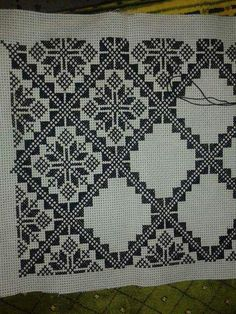 Imelda's media content and analytics Cross Stitch Borders, Cross Stitch Designs, Cross Stitching, Cross Stitch Patterns, Blackwork Embroidery, Cross Stitch Embroidery, Embroidery Patterns, Cross Stitch Cushion, Palestinian Embroidery