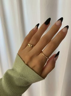 Black Acrylic Nails, Simple Acrylic Nails, Almond Acrylic Nails, Best Acrylic Nails, Cute Almond Nails, Black Almond Nails, Coffin Acrylic Nails, Short Almond Nails, Cute Simple Nails
