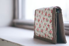 Fold In Half Wallet Cut +Sew - Luxe DIY -