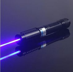 Blaue Laserpointer Blau Laser Pointer -ODM der Lage, eine Handvoll von Ultra-High-Power-blauen Laser-Pointer-Hersteller zu machen, das ist unser Schaufenster Waren, hohe Leistung blauen Laserpointer. http://www.deulaser.com/blauer-laserpointer.html