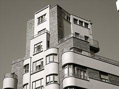 Plaza Evaristo San Miguel, n°1, Gijon, Spain   Architect: M.A. Garcia Rodriguez, 1934
