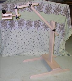 How to build an embroidery stand