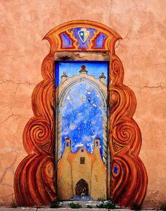 Santa Fe, New Mexico 26 Beautiful Doors From Around The World Cool Doors, Unique Doors, Entrance Doors, Doorway, Front Doors, Door Entry, Entrance Ways, Santa Fe, Art Du Monde