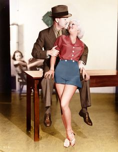 Jean Harlow and William Powell film Reckless 1935 Old Hollywood Glamour, Golden Age Of Hollywood, Vintage Hollywood, Hollywood Stars, Classic Hollywood, Hollywood Couples, Hollywood Men, William Powell, Baby Jeans
