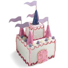 Your little royal guest will be climbing the castle walls to get to this royal cake. Fit for a Disney Princess, this cake is towers of sweetness!