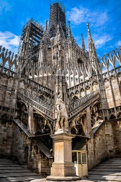 Sculpture and Courtyard on the Terrace of the Duomo di Milano (Milan Cathedral) … Cathedral Architecture, Gothic Architecture, Ancient Architecture, Beautiful Architecture, Architecture Design, Milan Cathedral, Cathedral Church, Gothic Buildings, Saint Ouen