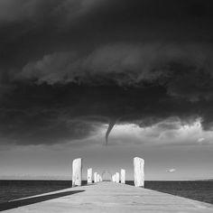 Черно-белая магия: серия снимков Эрика Джона Элма | Серебряный Дождь