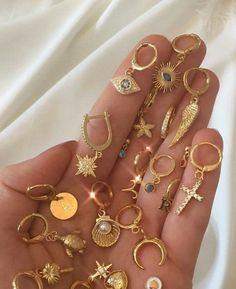 Ear Jewelry, Dainty Jewelry, Cute Jewelry, Gold Jewelry, Jewelry Accessories, Pretty Ear Piercings, Ears Piercing, Accesorios Casual, Fashion Jewelry