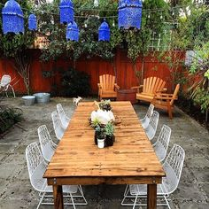 There's nothing like a Venice Beach backyard. Bend Goods, Closer To Nature, Outdoor Furniture Sets, Outdoor Decor, Venice Beach, Cool Rooms, Patio Design, Coastal Living, Outdoor Living