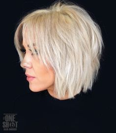 Shaggy Blonde Bob For Fine Hair Shaggy White Blonde Bob Snow-white blonde hair is a great way to rock a shaggy bob. Slice the layers to achieve a more voluminous look. Lots of layers will also help disguise the problem of volumeless fine hair. Short Choppy Haircuts, Short Bob Hairstyles, Latest Hairstyles, Fun Hairstyles, Haircut Short, Casual Hairstyles, Pixie Haircuts, Braided Hairstyles, Haircut Styles