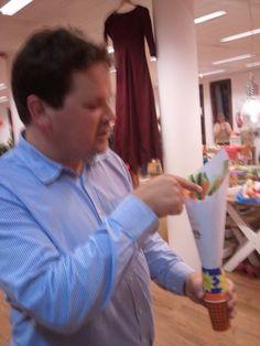gezonde patat traktatie gemaakt  tijdens de Kindertraktatie workshop met fruit die Geny Wuestman  bij BSO Small Villa in Amsterdam.