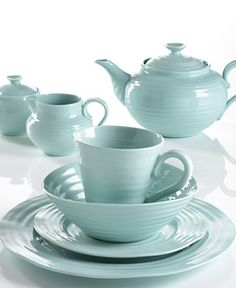 light turquoise casual dinnerware - Love this color!