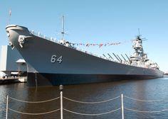Iowa Class Battleships | ... _man_the_rails_of_the_Iowa-class_battleship_USS_Wisconsin_(BB_64).jpg