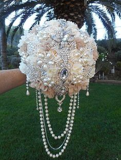 10 LG STUNNING CUSTOM JEWEL DRAPED BROOCH BOUQUET - $525.00 * BOUQUET CAN ALSO BE CUSTOMIZED FOR YOU * ** COLORS ARE: Beige, Ivory and