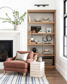 Built In Shelves Living Room, Rugs In Living Room, Home And Living, Living Spaces, Alcove Ideas Living Room, Bookshelves In Living Room, Living Room Storage, Living Room Shelf Decor, Living Room Fireplace