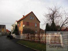 Rodinný dům 300 m² k prodeji Mánesova, Cvikov - Cvikov II; 2100000 Kč, garáž, patrový, samostatný, smíšená stavba, v dobrém stavu.