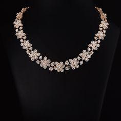 Kolkata designs Diamond Necklace Set, Diamond Jewelry, Gold Jewelry, Dimond Necklace, Jewellery, Necklace Designs, Indian Jewelry, Jewelry Design, Jewelry Accessories