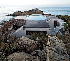 Who wouldn't want to live in Mexico after seeing this stunning home?