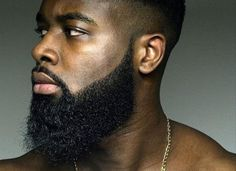 35 Black Men Beard Styles Just like hairstyles, facial hair trends evolve and fall in and out of fashion all the time. Here are 35 popular and stylish beard styles for black men. Beard Growth Oil, Beard Oil, Hair Growth, Beard Styles For Men, Hair And Beard Styles, Barba Sexy, Barba Grande, Sexy Bart, Black Men Beards
