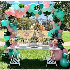 Flamingo Birthday Party Ideas Loving this Flamingo dessert table! The balloon garland is amazing! Hawaiian Birthday, Flamingo Birthday, Flamingo Party, Luau Birthday, 3rd Birthday Party For Girls, Cake Table Birthday, Flamingo Baby Shower, Park Birthday, Table Party