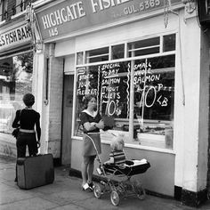 A fishmongers in Highgate: 1973- Could do with one now.
