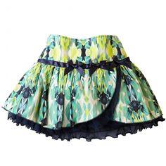 Groene rok van Ariana Dee met tule onderrok in een blauwe kleur. De rok heeft een verstelbare tailleband.