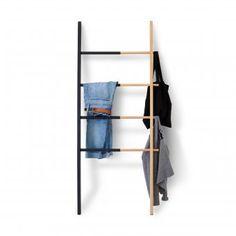 Garderobe Leiter wooden ladder black leiter garderobe aus holz schwarz wohnen