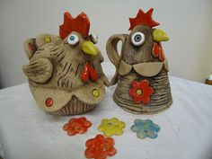 velikonoce keramika slepice Ideas and Images Ceramic Chicken, Chicken Bird, Clay Birds, Hens And Chicks, Pinch Pots, Antique Paint, Clay Creations, Pin Cushions, Ceramic Art