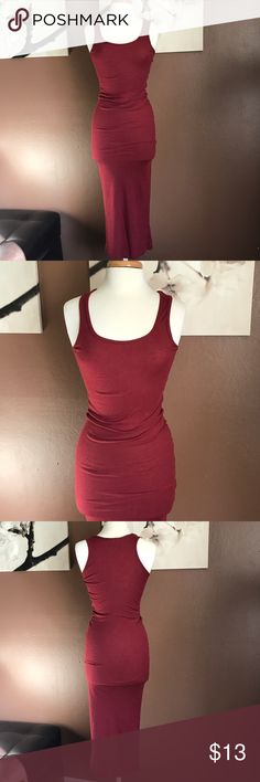 Burgundy tight midi dress Basic tank knit dress. Stretchy and form fitting! Pair it up with a pair of sneaker! Dresses Midi