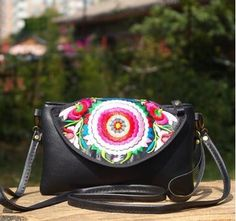 11.99$  Buy now - http://alicv5.shopchina.info/go.php?t=32779369535 - New Coming Women's Embroidery Pu bags!Hot Lady's National Nice Embroidery embroidered Multi-use bag party Shopping carry bags 11.99$ #SHOPPING