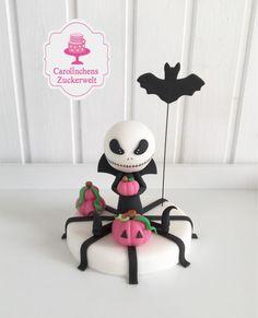 💕 Jack Skellington 💕 - cake by Carolinchens Zuckerwelt Halloween Clay, Fete Halloween, Halloween Jack, Halloween Trick Or Treat, Halloween Cakes, Halloween Treats, Halloween Decorations, Clay Pot Crafts, Polymer Clay Crafts