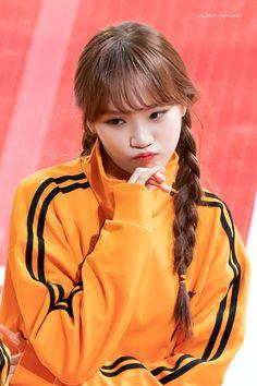 190107 MBC Idol Star Athletics Championships - 2019 New Year 설특집 아육대) Yuri, Sakura Miyawaki, Japanese Girl Group, Woollim Entertainment, Kim Min, Japanese Names, Dream Hair, Sweet Girls, K Idols