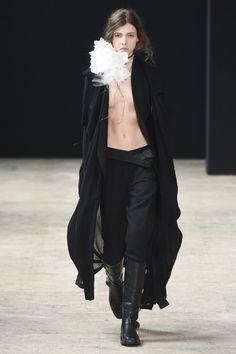 Ann Demeulemeester #VogueRussia #menswear #springsummer2018 #AnnDemeulemeester #VogueCollections