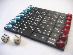 I really need to know the name of this game and it's rules? 100 Games, Dice Games, Games To Play, Family Party Games, Family Game Night, Homemade Board Games, N Game, Old Board Games, Diy Cadeau