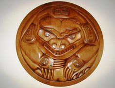 Born on March of Donavon Gates is a registered member of the Old Massett band from Haida Gwai (Queen Charlotte) Islands on the North-West Coas. Bear Spirit Animal, Haida Gwaii, Native Design, Native Art, First Nations, Nativity, Art Gallery, Lion Sculpture, Old Things