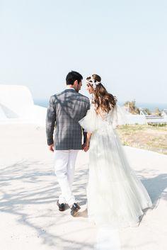 Au Bon Vieux Temps: An Inspirational Wedding Shoot in Santorini