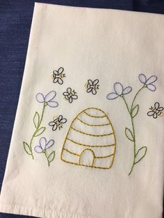 Honey Bee Happy Kitchen Towel Set 2 Cotton Decorative Tea Towels for Dish and Hand Drying