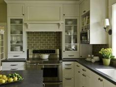 Кухня классика (40 фото): безупречная элегантность http://happymodern.ru/kuxnya-klassika-40-foto-bezuprechnaya-elegantnost/ 3