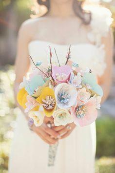 Paper--and so cute! Urocza papierowa wiązanka ślubna!