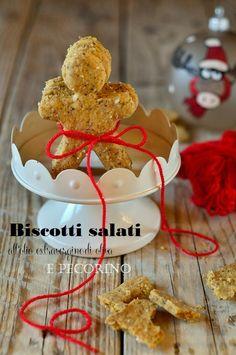 Quest'anno ho proprio esagerato....non soddisfatta a pieno dei biscotti di Natale che fra pochi giorni pubblicherò, ho deciso di provare un...