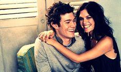 Adam Brody and Rachel Bilson.