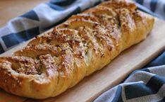 Kringle med marcipan remonce - Berits univers Danish Cake, Danish Food, Bread And Pastries, Baking And Pastry, Sweet Cakes, Sweet Bread, No Bake Desserts, Coffee Cake, I Love Food