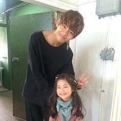 bts jimin and child actress V Taehyung, Kim Taehyung Funny, Namjoon, Daegu, Foto Bts, V And Jin, V Bts Cute, Prince, V Bts Wallpaper