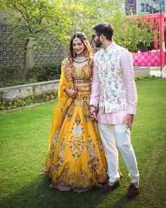 Engagement Dress For Groom, Couple Wedding Dress, Wedding Dresses Men Indian, Indian Bridal Outfits, Indian Bridal Fashion, Engagement Outfits, Indian Engagement Outfit, Indian Wedding Mehndi, Indian Dresses