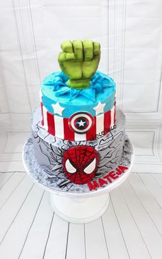 captain america cake by Choco loco Choco Loco, Captain America Cake, Hulk Cakes, Fondant Tools, Hulk Spiderman, Disney Marvel, Cakes For Boys, Daily Inspiration, Cake Ideas