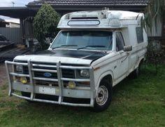Ex Ambulance Ford F100